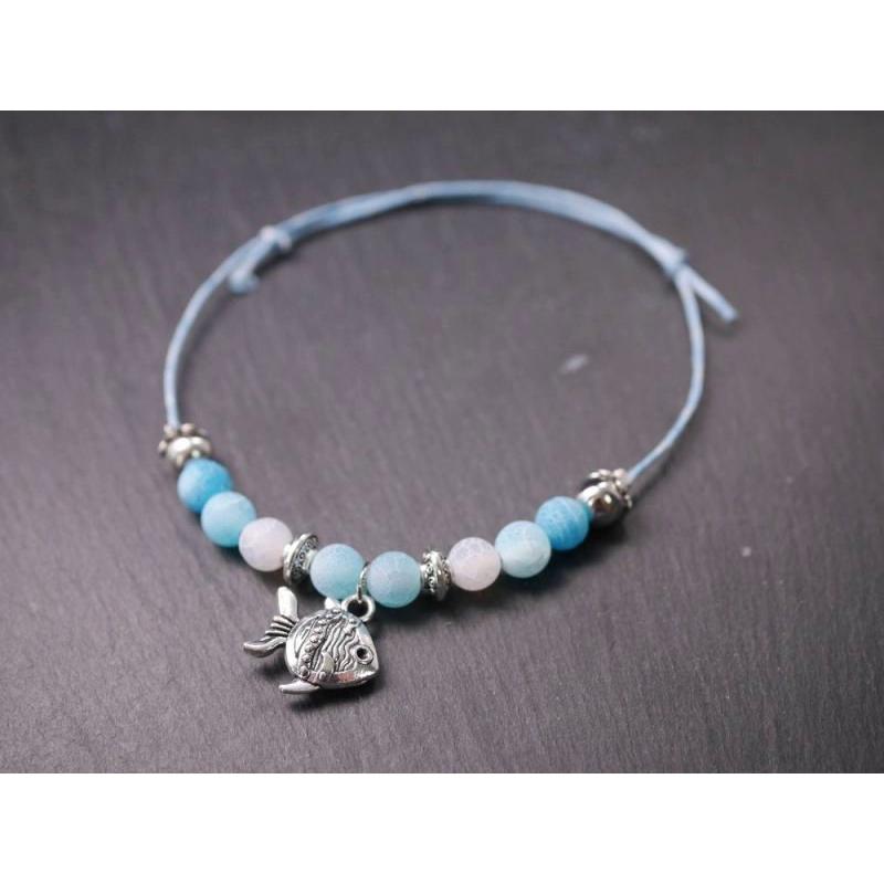 blaues armband mit fisch charm