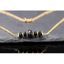 Halskette mit schwarzen...