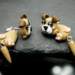 Ein Paar Hunde Ohrringe Stecker aus Fimo