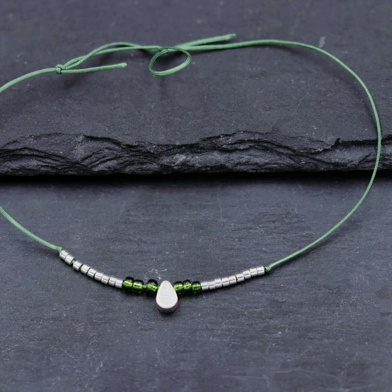 Perlenarmband grün Tropfen Silbe